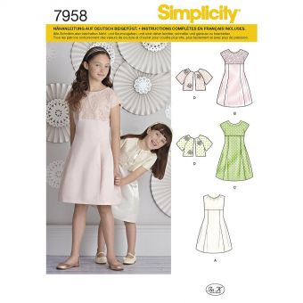 Patron Simplicity 8271 Robe de cérémonie fillette