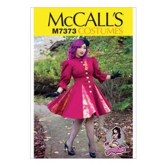 Patron McCall's 7373 Patron de manteaux princesses par Yaya Han - Femme