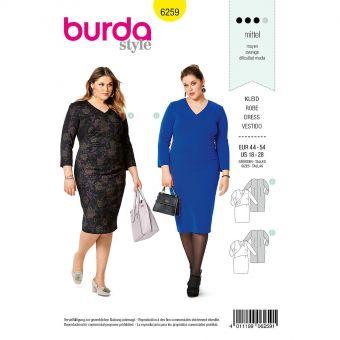 Patron Burda 6259 Robe effet cache - coeur pour femmes de 46 à 56